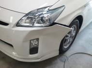 トヨタ プリウス リサイクルバンパーを使っての修理。