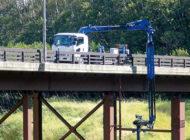 建機なんでもレンタル『kanamoto』が誇る特殊車両 特殊アームで橋を点検 橋竜