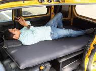 【車中泊グッズ】平らに寝ることができれば車中泊旅の半分は成功だ!